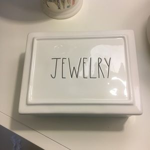 NWOT Rae Dunn compartmented ceramic jewelry box